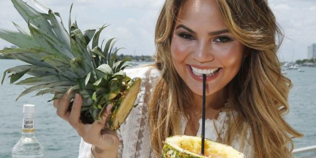 Here's How Chrissy Teigen Really Eats During The Day - delish.com