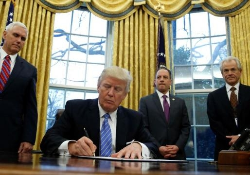 Trump signs revised travel ban, exempts Iraqis | Latest News World - bplaced.com