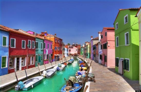 Burano, Italy Is The Cheeriest Little Island, And It Will Lift ... - huffingtonpost.com