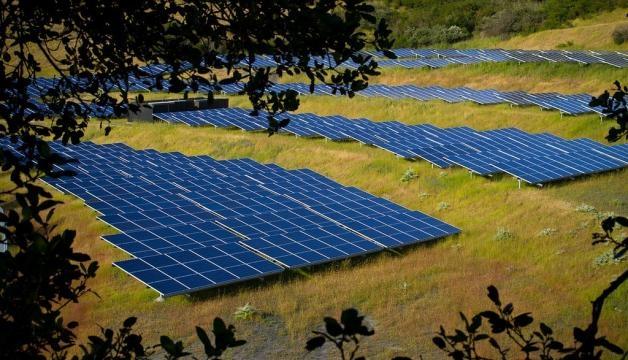 Tesla, Inc. (Nasdaq: TSLA) has opened a solar farm on the Hawaiian Island of Kauai / Michael Mees, Flickr CC BY-SA 2.0