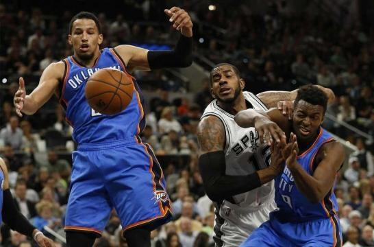 Leonard comes up big late to lead Spurs past Thunder - San ... - expressnews.com