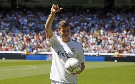 Gareth Bale en su presentación con el Real Madrid