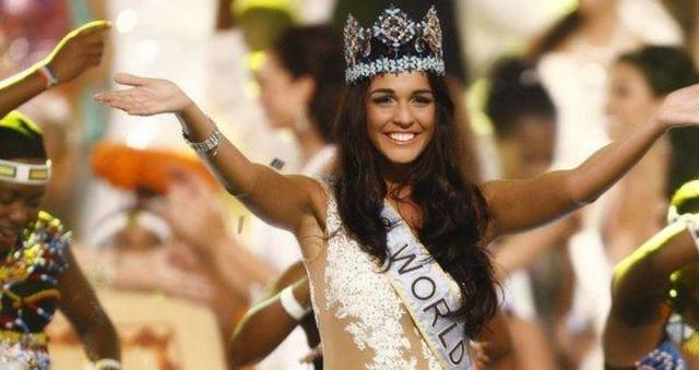 Kaiane Aldorino Lopez nel 2009 è stata eletta Miss Mondo (foto da Facebook)