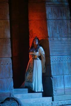Lithuanian mezzo-soprano Violeta Urmana as Amneris in Verdi's 'Aïda.' Photo: Ken Howard/Metropolitan Opera, used with permission.