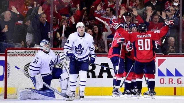 Los Caps pudieron reaccionar gracias a un 5vs3 después del los dos goles de Toronto. NHL.com