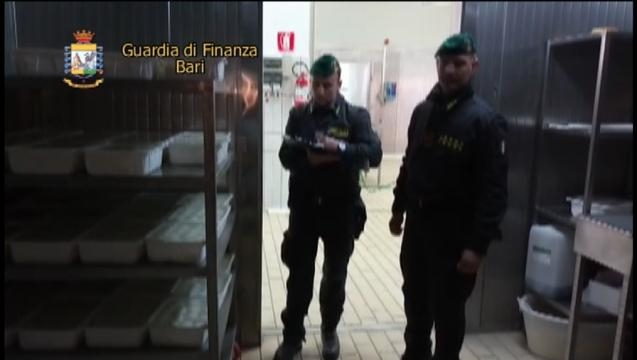Sequestro caseificio 3 (foto: GDF)