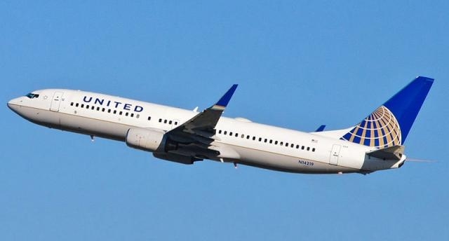 United Airtliner (skinnylawyer from Los Angeles, California, USA wikimedia)