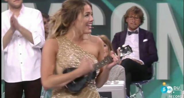 Alyson canta una canción como vencedora de #GHVIP5