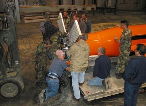 2 EEUU lanza por primera vez su bomba más potente no nuclear en ... - univision.com