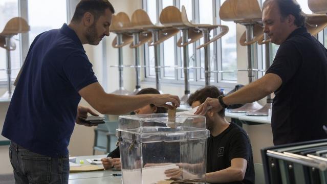Abren los colegios electorales en Francia para la primera vuelta ... - vozpopuli.com