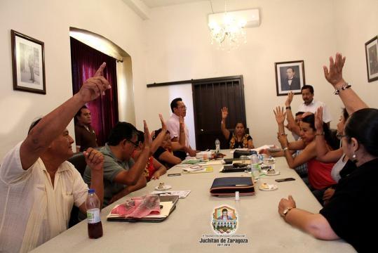 Concejales aprueban por unanimidad ejercer acción penal contra un contratista.Foto: Carlos Ramón Ruiz.