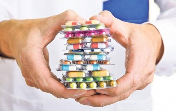 Farmacişti: Firmele importă medicamente ieftine, apoi le exportă ... - mandri.ro