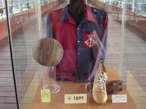 Le premier maillot du Barça de l'histoire