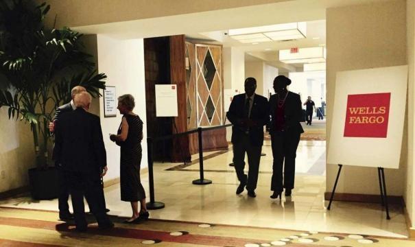 Wells Fargo board scrapes through election at tough meeting - San / Photo by expressnews.com via Blasting News library
