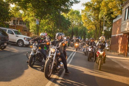bikers unidos en su tercer aniversario