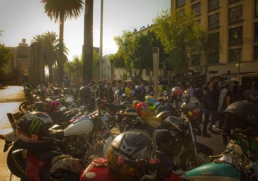 motoclubs reunidos en monumento a la revolución