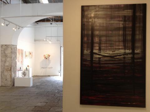 Decenas de galerías muestran miles de obras de nuestros días entre otras cosas.