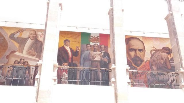 Murales típicos que sintetizan por regiones la historia en Saltillo.