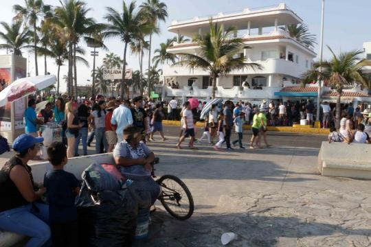 Paseantes de mil lugares se dieron cita en la Semana Internacional de la Moto.