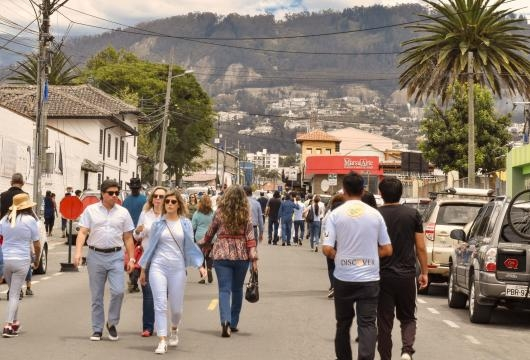 Un clima primaveral en los lugares de sufragio de Quito Ecuador