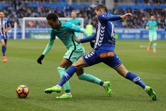 Alavés-Barça: Theo Hernandez s'excuse après avoir gravement blessé ... - bfmtv.com