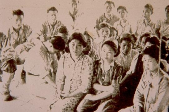In August 1944, Comfort women found by Chinese and American soldiers around the border between China and Myanmar