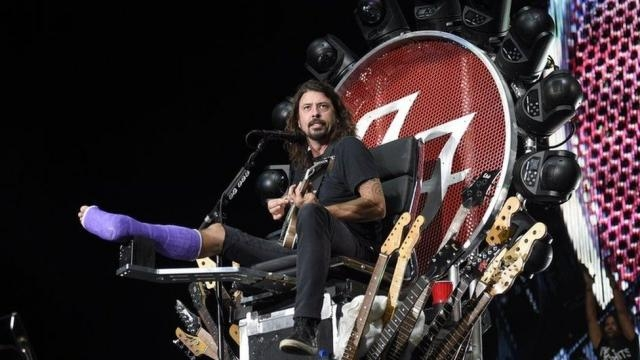 See you soon!' Foo Fighters tell 1,000 fans who performed in Italy ... - bbc.co.uk