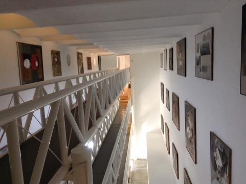 El museo renueva el uso de una arquitectura que daba sitió a una penitenciaría.