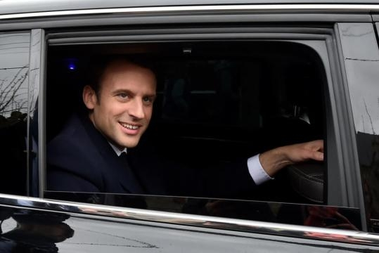 Emmanuel Macron asume la presidencia de Francia con desafíos en el ... - univision.com