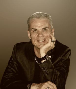 Lele Boccardo, giornalista, critico musicale e scrittore.