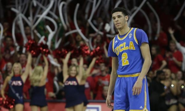 Lonzo Ball's dad quickly backtracks after saying his son would ... - usatoday.com