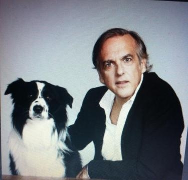 El escritor español Paco Arango,trae su cine benéfico a México (via Twitter- Paco Arango)