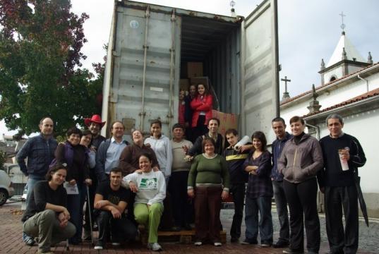 Envio de um contentor de ajuda humanitária para São Tomé