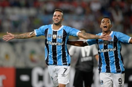 Luan e Pedro Rocha, jogadores do Grêmio