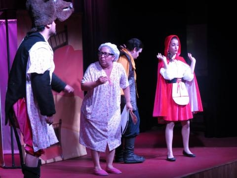 Elenco Tabasqueño, dan vida a los personajes de la obra