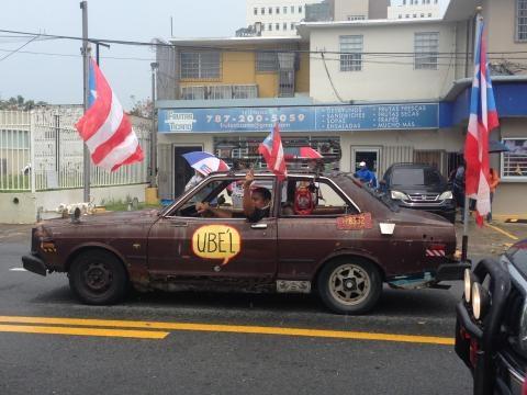 Manifestant in his car   Phtoto taken by Arianna Centeno