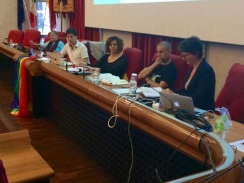 alcuni relatori durante l'incontro contro l'omofobia ad Ascoli (via FB 50 sfumature di genere)
