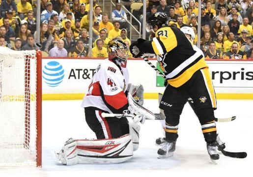 Phil Kessel tuvo opciones claras en el tiempo extra para marcar por los Penguins. NHL.com.
