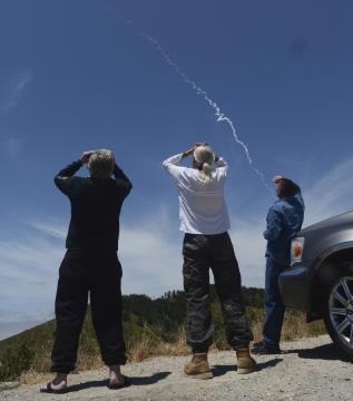 As pessoas podiam observar o rastro a quilômetros de distância