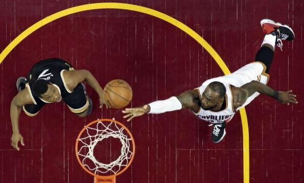 LeBron scores 39, Cavaliers rout Raptors 125-103 in Game 2 - The Hour - thehour.com