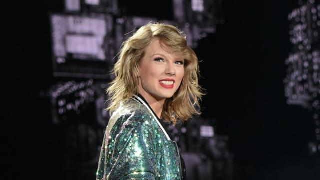 Taylor Swift can't avoid videotaped deposition with accused groper ... - aol