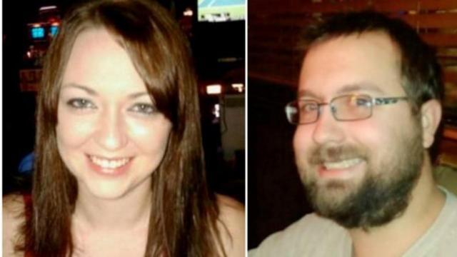 Kala Brown e seu namorado Charles Carver foram atraídos até a propriedade de um serial killer por causa de uma proposta de emprego falsa