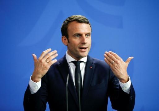 Macron unveils cabinet with critics, advocates of Israel ... - jpost.com