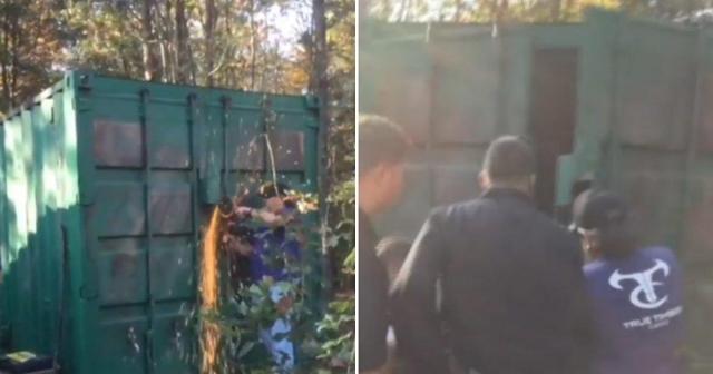 Vídeo mostra momento em que autoridades rompem tranca do contêiner onde Kala Brown estava presa