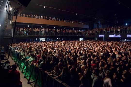 Live Curitiba completa um ano e anuncia shows internacionais
