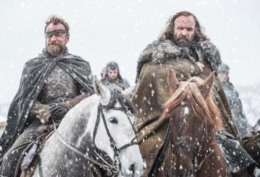 Beric Dondarrion y el perro se encuentran en el norte