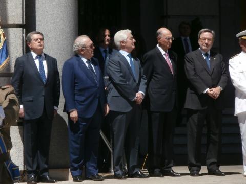 Cinco de los antiguos ministros de defensa acudieron al acto.