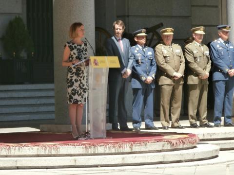 La ministra loa en su discurso a las víctimas del terrorismo.