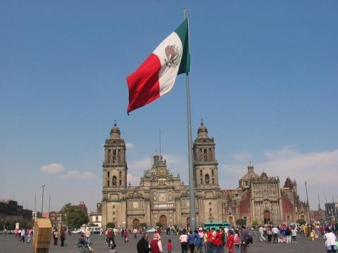 Disminuye la feligresía católica en México.