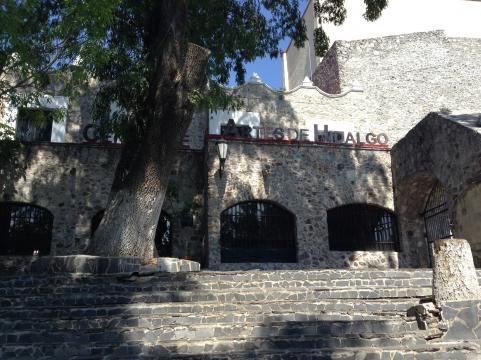 El centro histórico ofrece así mismo a un paso del templo a Fco. de Asís, su Centro Estatal de las Artes.